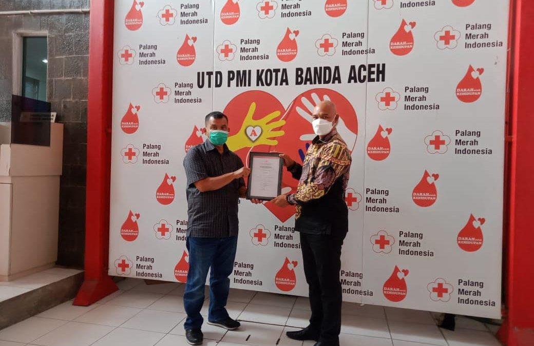 Plt Bupati Bener Meriah Terima Penghargaan dari Ketua PMI Aceh: Sudah 10 Kali Menyumbangkan Darah
