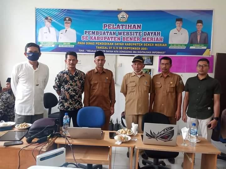 Dinas Dayah Kabupaten Bener Meriah Gelar Pelatihan Pembuatan website untuk Operator