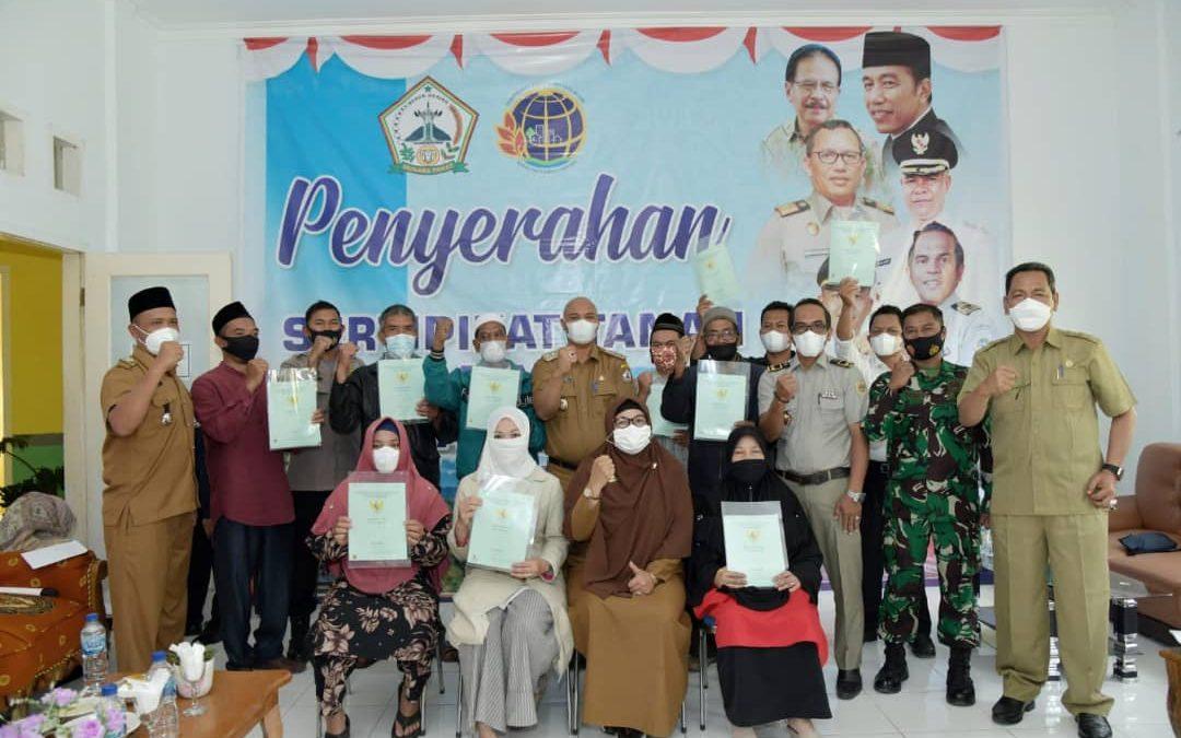 4 Desa Menerima Sertifikat Program PTSL Diserahkan Secara Simbolis oleh Plt Bupati Bener Meriah